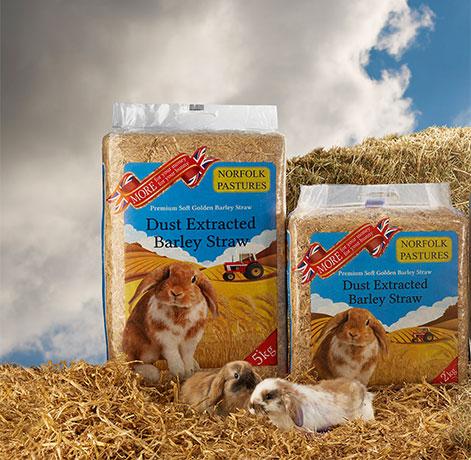 Norfolk_Pastures_Barley-Straw-PP-Crop